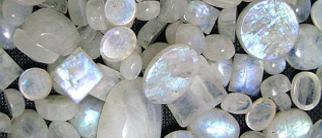 Moonstone ~ Feminine & Goddess Energy