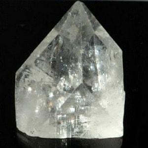 apophyllite pyramid 008(sm)-700x700